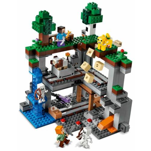 Lego 21169 Minecraft The First Adventure